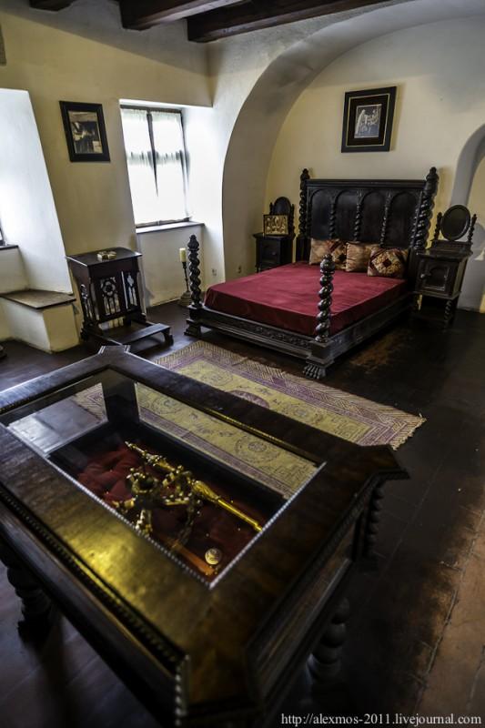 271 533x800 «Замок Ворона» и «замок Дракулы»