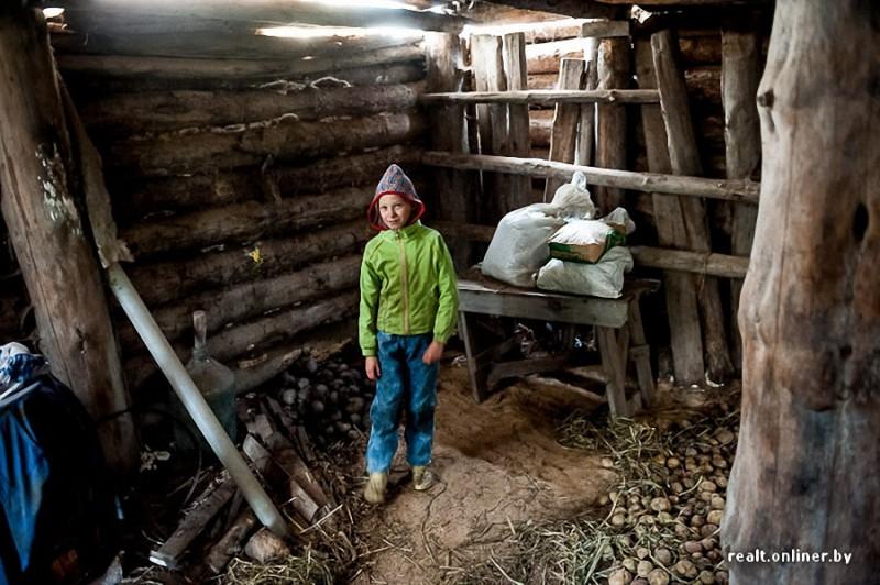 50 800x532 Белорусские отшельники уже20 летживут безсвета, газа иводопровода, нонасвоей земле