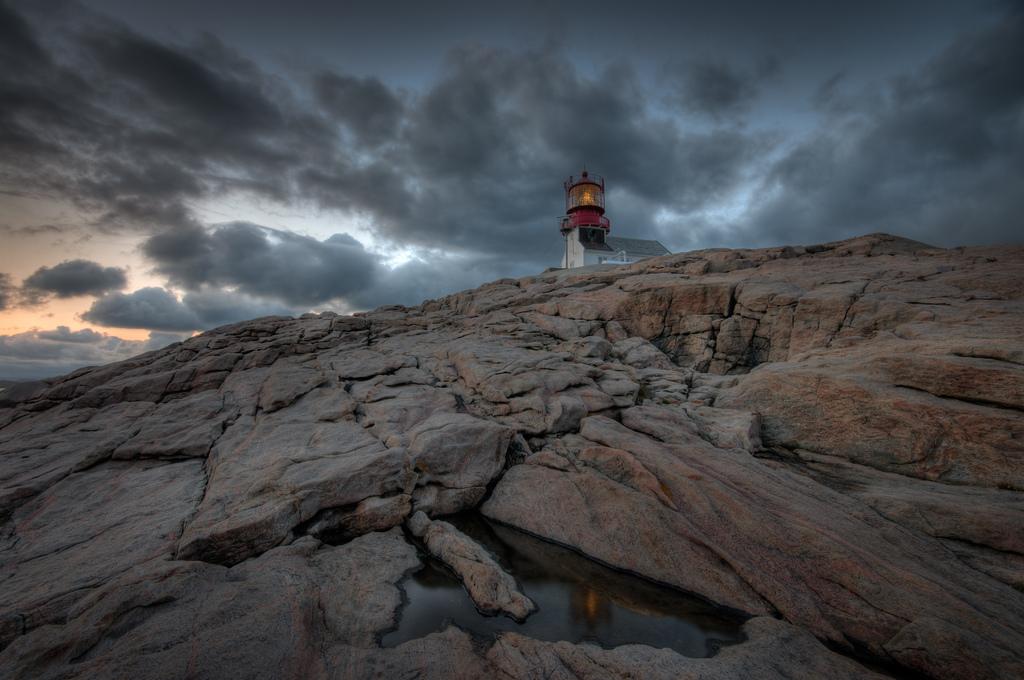 5955928438 ac5390278c b Живописные пейзажи Норвегии   Маяк Линдеснес