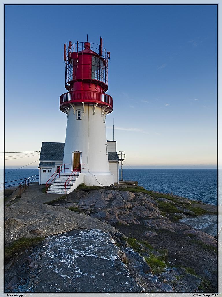 6026548255 c8489af8da b Живописные пейзажи Норвегии   Маяк Линдеснес