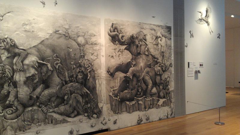 Adonna Khare's Amazing 13 Рисунок карандашом в 26 кв.м.