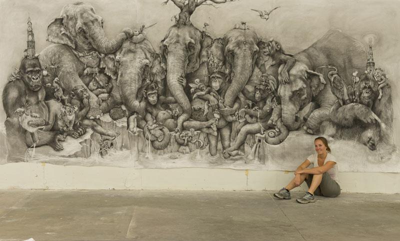 Adonna Khare's Amazing 2 Рисунок карандашом в 26 кв.м.