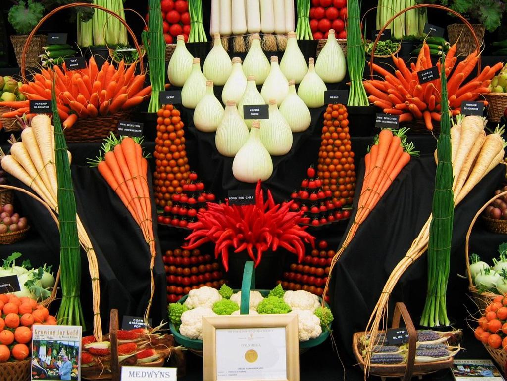 Artful Displays of Vegetables 11 Красочные овощные мозаики на выставках и ярмарках