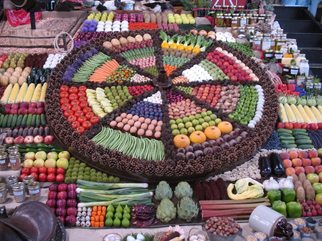 Artful Displays of Vegetables 5 Красочные овощные мозаики на выставках и ярмарках