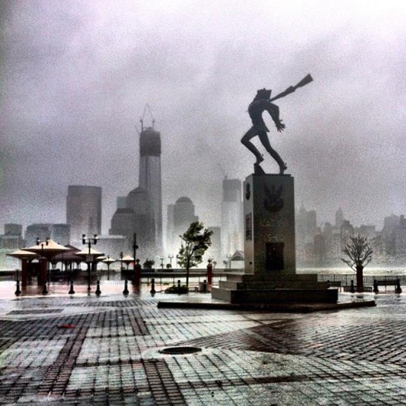 Capturing Sandy's Wrath 15 Уникальные фотографии: в эпицентре урагана Сэнди