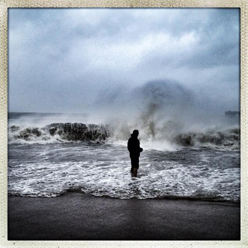Capturing Sandy's Wrath 16 Уникальные фотографии: в эпицентре урагана Сэнди