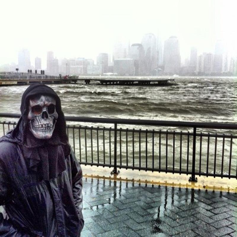 Capturing Sandy's Wrath 17 Уникальные фотографии: в эпицентре урагана Сэнди