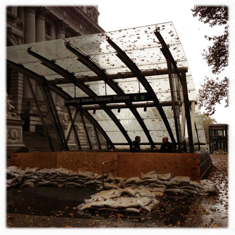 Capturing Sandy's Wrath 19 Уникальные фотографии: в эпицентре урагана Сэнди