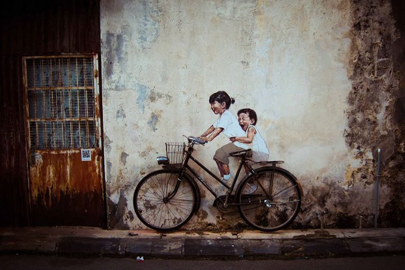 http://bigpicture.ru/wp-content/uploads/2012/10/Ernest-Zacharevic-1.jpg