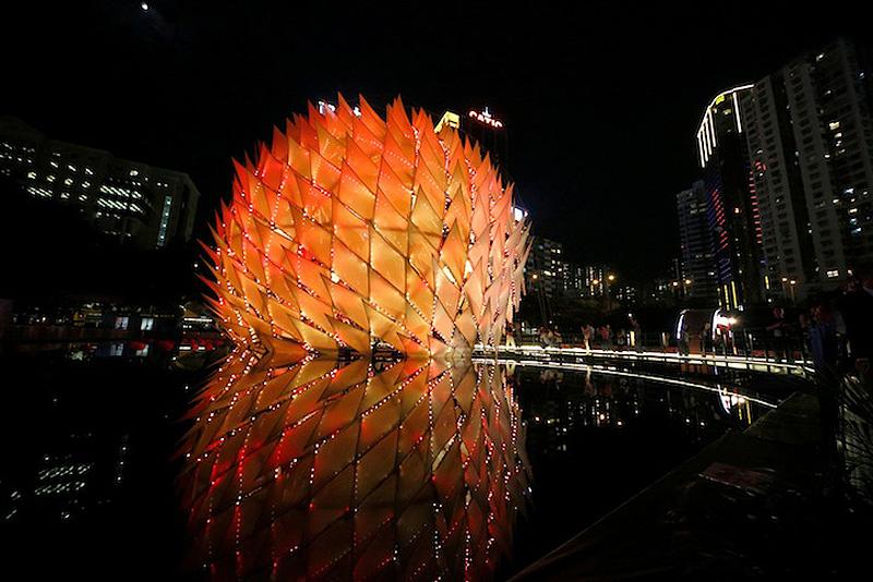 Павильон Золотой Луны в Гонконге