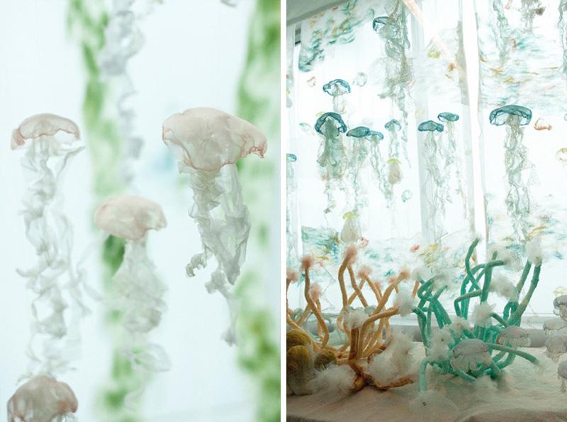 Аквариум с медузами в аэропорту