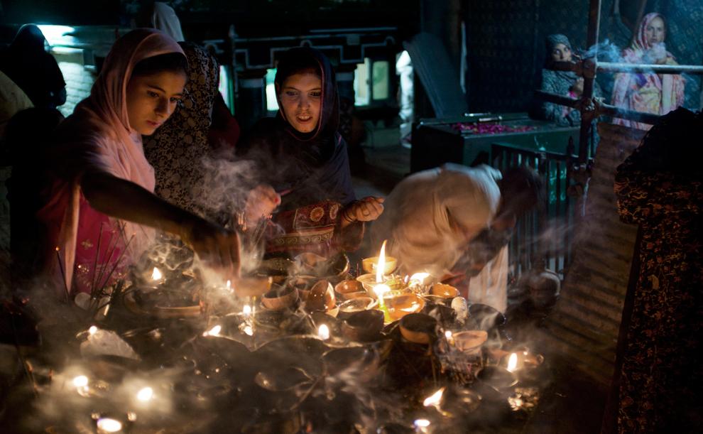 Niranjan Shrestha 11 Повседневная жизнь в разных странах мира в сентябре 2012
