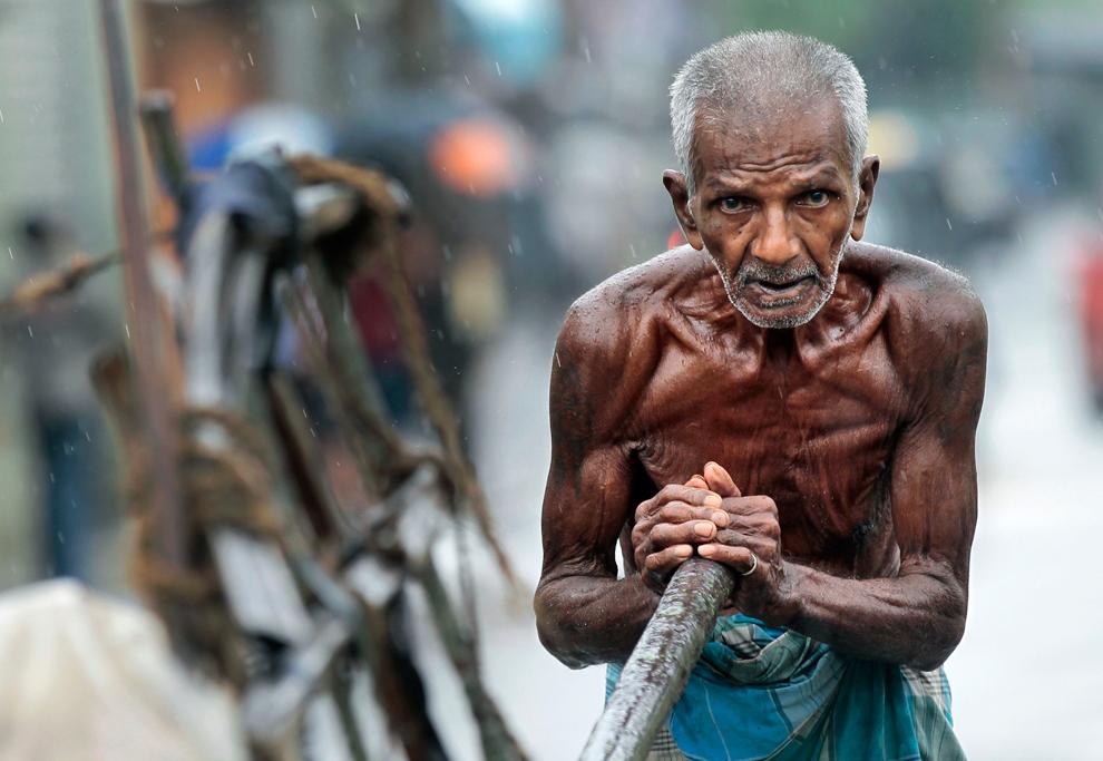 Niranjan Shrestha 19 Повседневная жизнь в разных странах мира в сентябре 2012