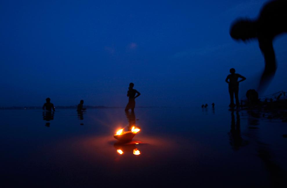 Niranjan Shrestha 4 Повседневная жизнь в разных странах мира в сентябре 2012