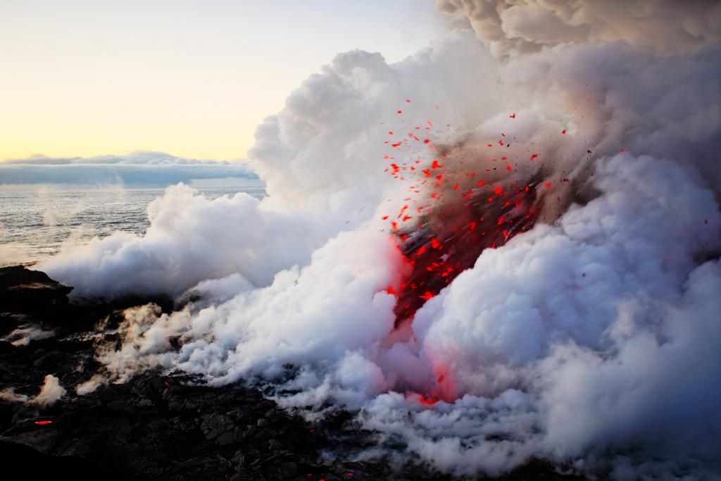 When Lava Meets Water 5 Когда лава встречается с водой