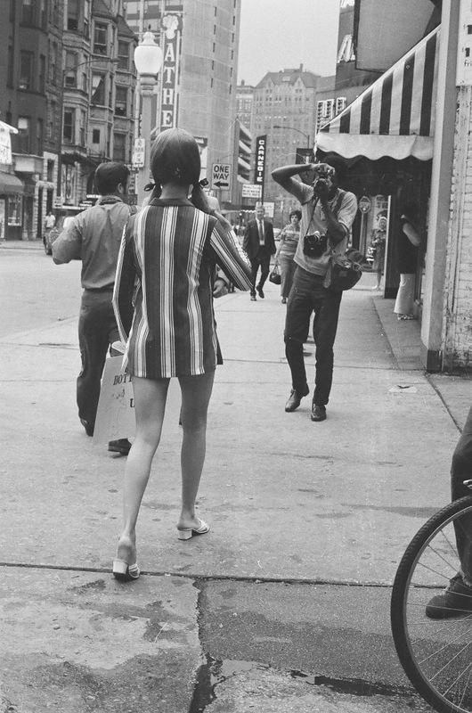 bottomsup07 За 40 лет до Femen   акция топлесс в Нью Йорке 1971 года