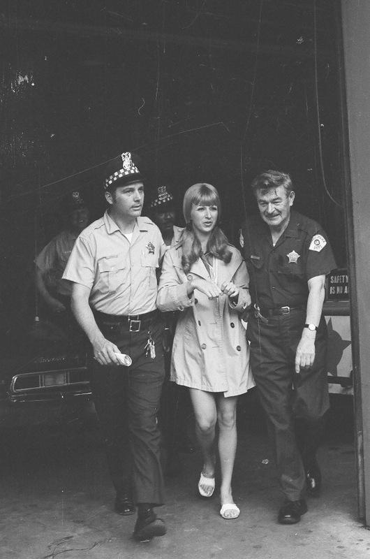 bottomsup19 За 40 лет до Femen   акция топлесс в Нью Йорке 1971 года