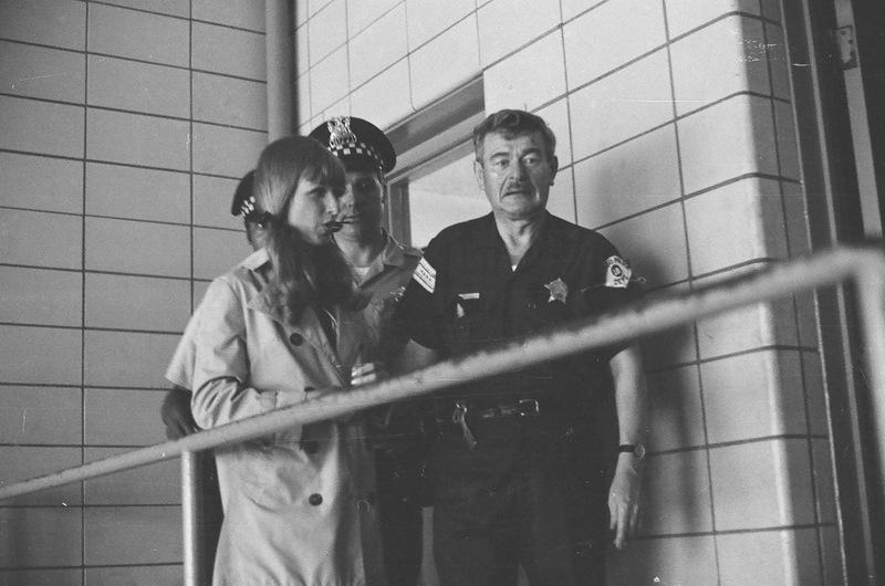 bottomsup22 За 40 лет до Femen   акция топлесс в Нью Йорке 1971 года