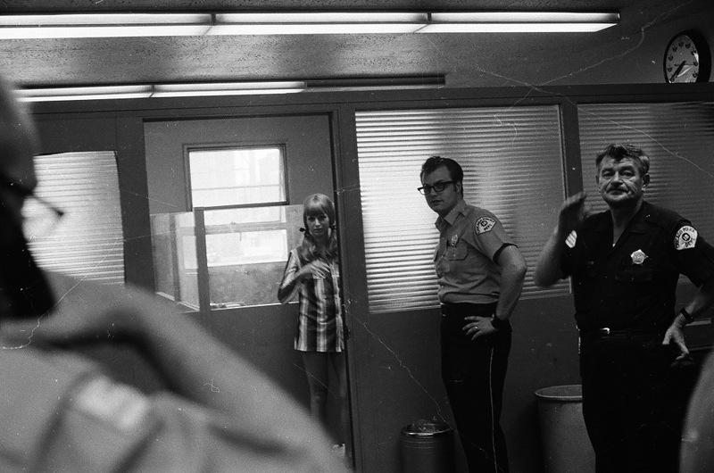 bottomsup28 За 40 лет до Femen   акция топлесс в Нью Йорке 1971 года