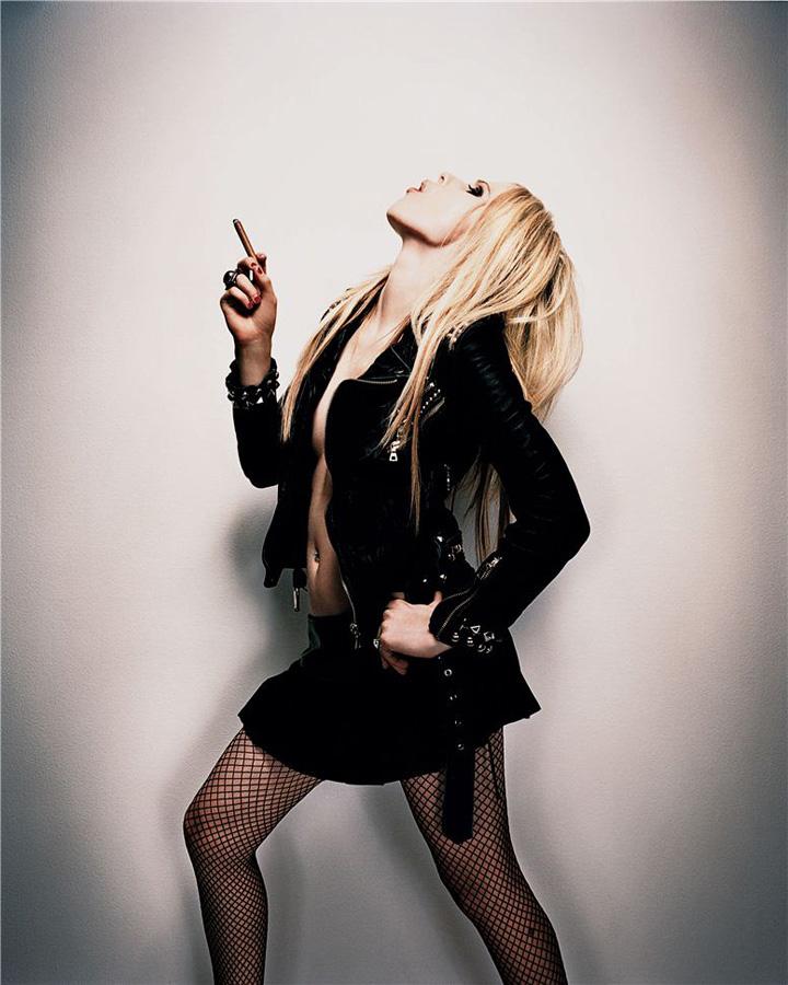 famouswoman 15 37 роковых красавиц и сигареты