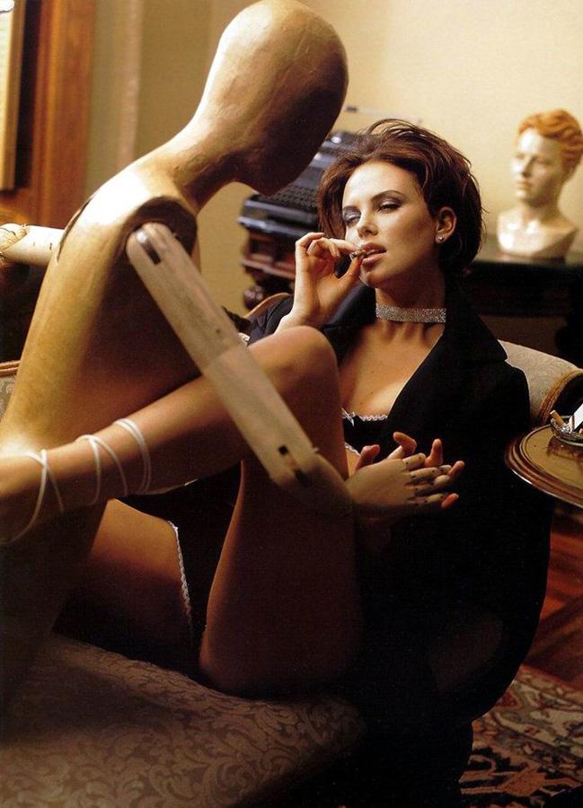 famouswoman 27 37 роковых красавиц и сигареты