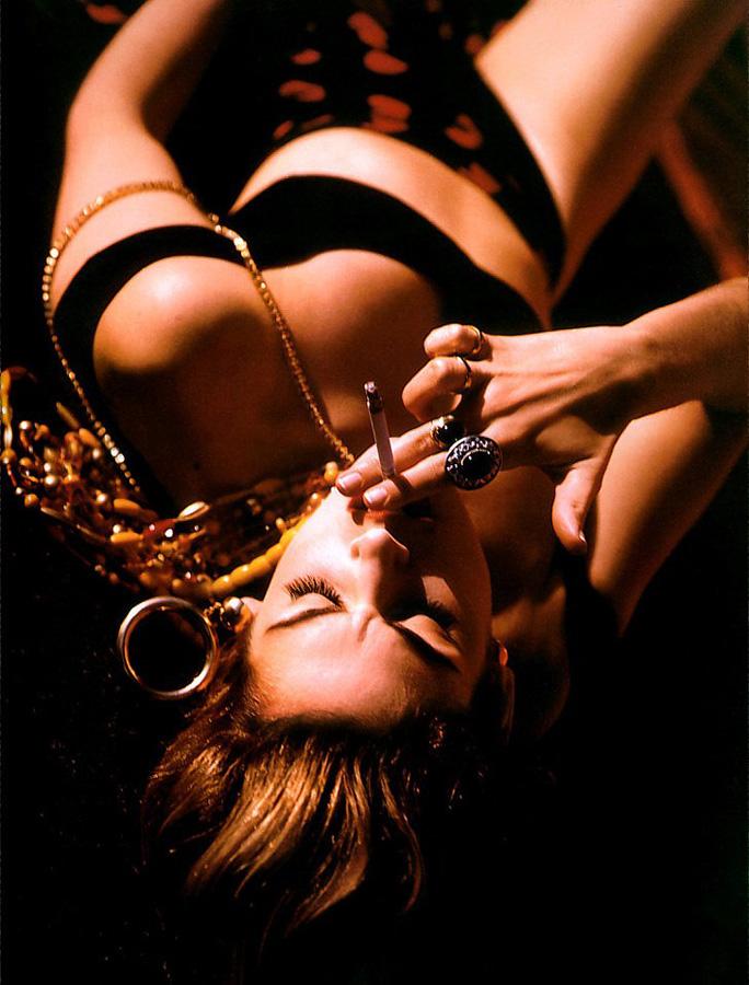 famouswoman 30 37 роковых красавиц и сигареты
