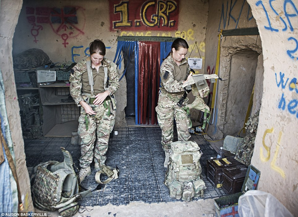 girls life in the Army 14 Будни британских женщин военнослужащих в Афганистане