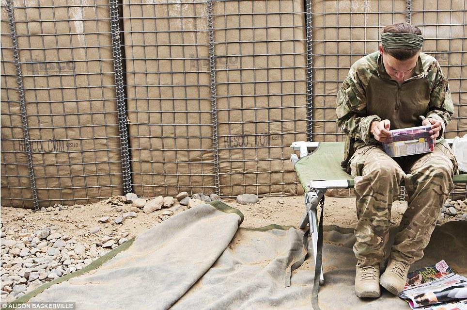 girls life in the Army 18 Будни британских женщин военнослужащих в Афганистане