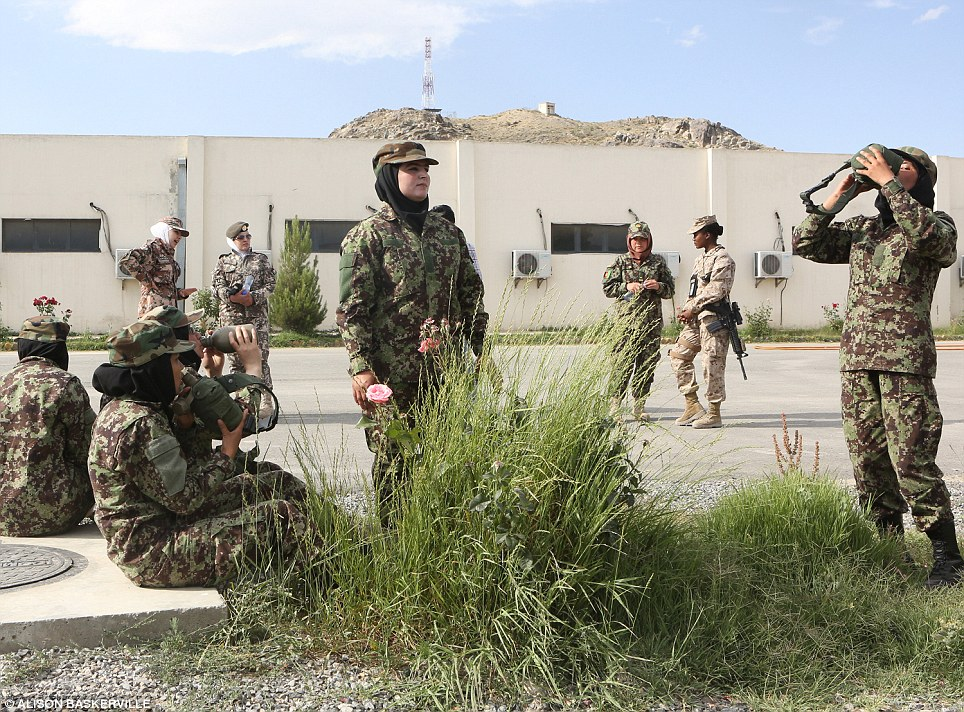 girls life in the Army 20 Будни британских женщин военнослужащих в Афганистане