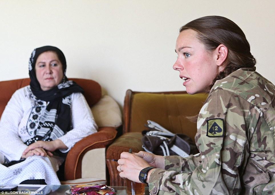 girls life in the Army 24 Будни британских женщин военнослужащих в Афганистане