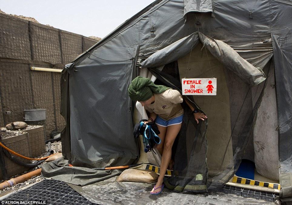 girls life in the Army 3 Будни британских женщин военнослужащих в Афганистане