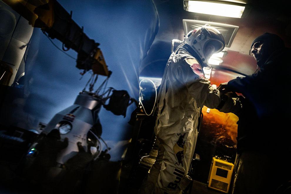 space21 Феликс Баумгартнер совершил прыжок изкосмоса