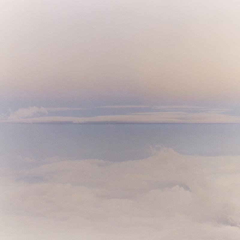 Hut Atop Mount Fuji 10 Над землей