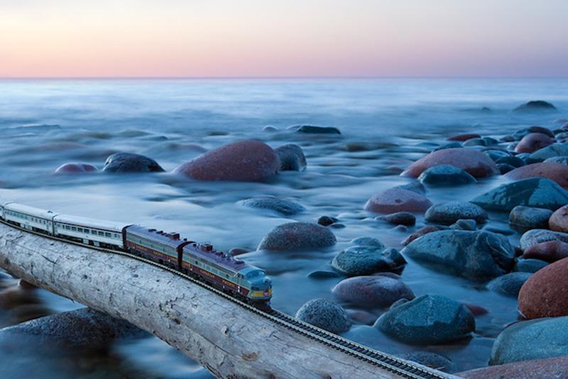 Путешествие мини-поезда через Канаду