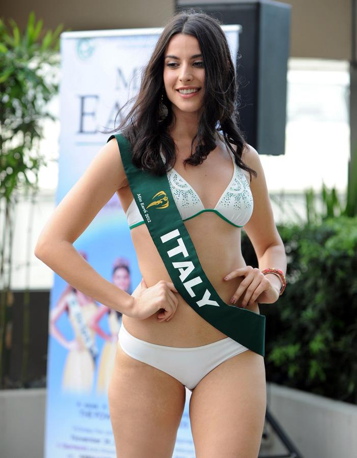 misszemlya2012 8 Горячие участницы конкурса красоты «Мисс Земля 2012» в купальниках