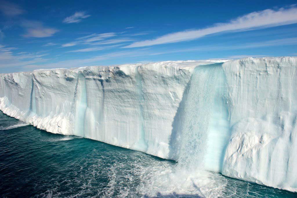 svalbard 1 Огромные водопады в ледниках заповедника Свальбард