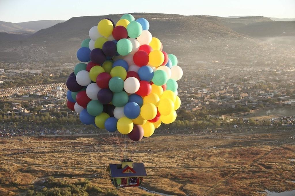 uphouse 2 Вверх на воздушных шарах