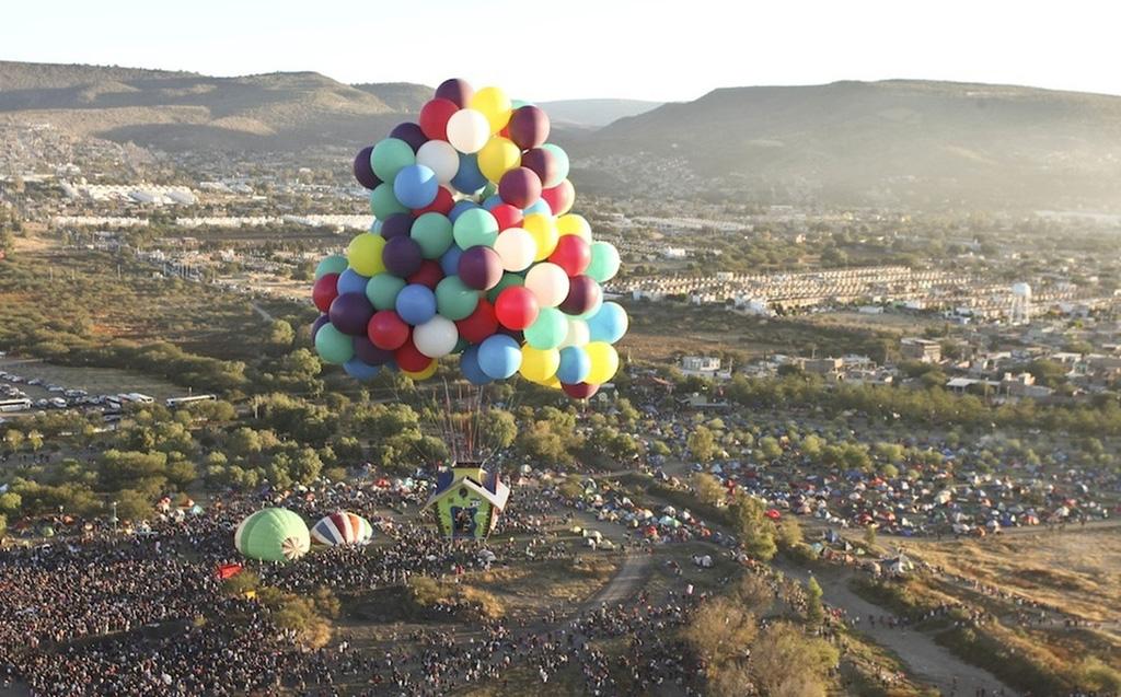 uphouse 8 Вверх на воздушных шарах