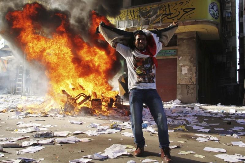 vostanieprotivmuxameda 1 800x533 Египетские оппозиционеры восстали против Мухаммеда Мурси