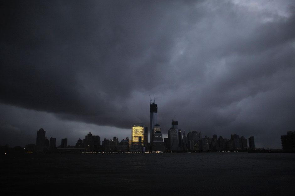 36POY35POYRTR39RLY Лучшие фото 2012 года от Reuters (Часть 1)