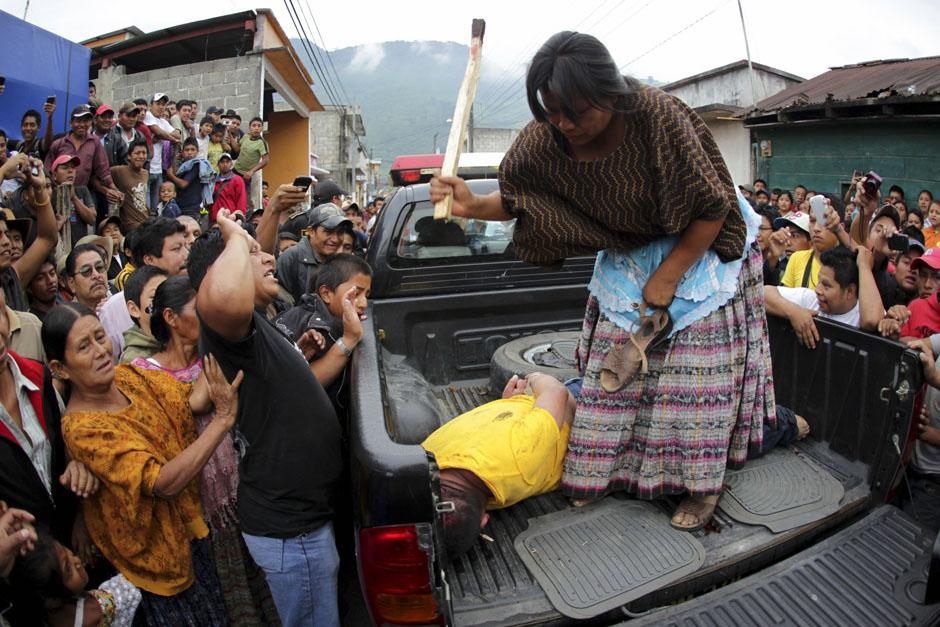 50POY49POYRTR37XJZ Best Photos of 2012 Reuters (Part 2)