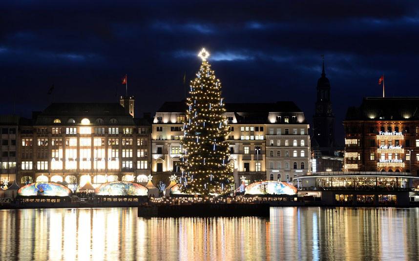 Christmas trees and lights 15 Ёлки и праздничные огни по всему миру