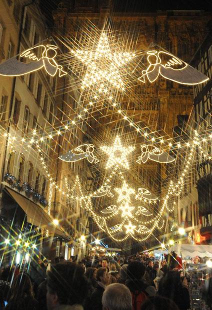 Christmas trees and lights 19 Ёлки и праздничные огни по всему миру