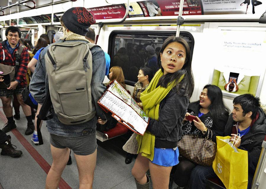 TEMP116 В метро без штанов   2013