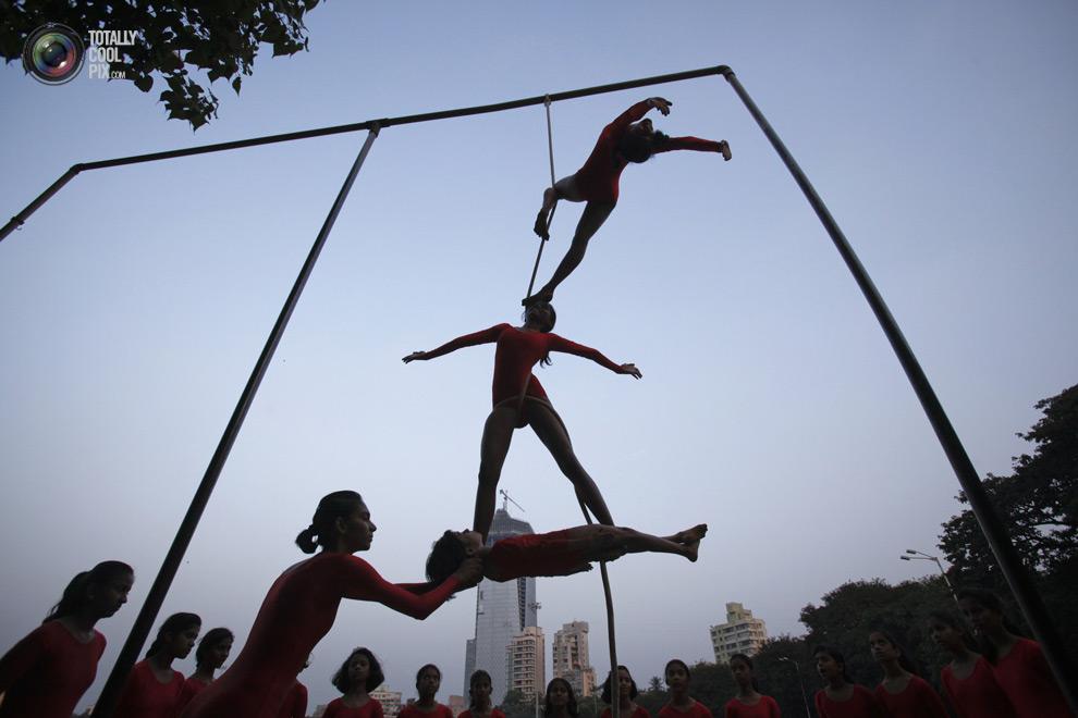 THE ANCIENT INDIAN SPORT OF MALLAKHAMB 16 Маллакхамб – это древний индийский вид спорта