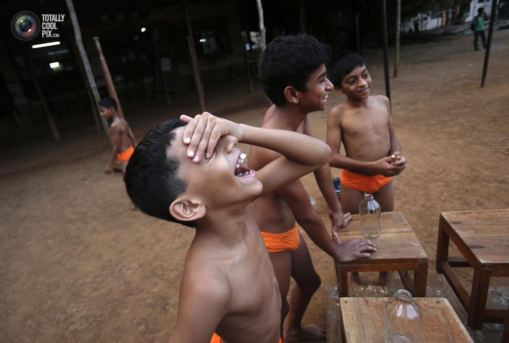 THE ANCIENT INDIAN SPORT OF MALLAKHAMB 4 Маллакхамб – это древний индийский вид спорта