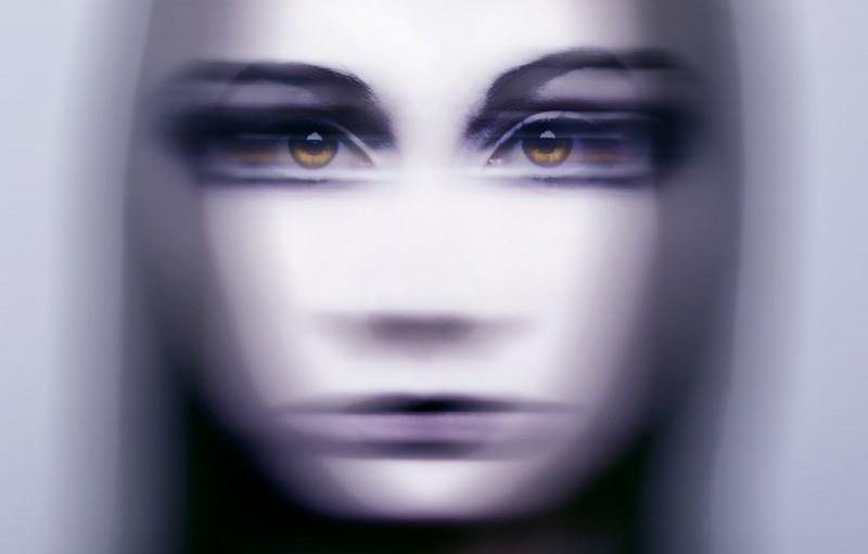 avtoportretixanni 16 800x511 Мрачные и необычные автопортреты Твиг Капры из Нью Йорка