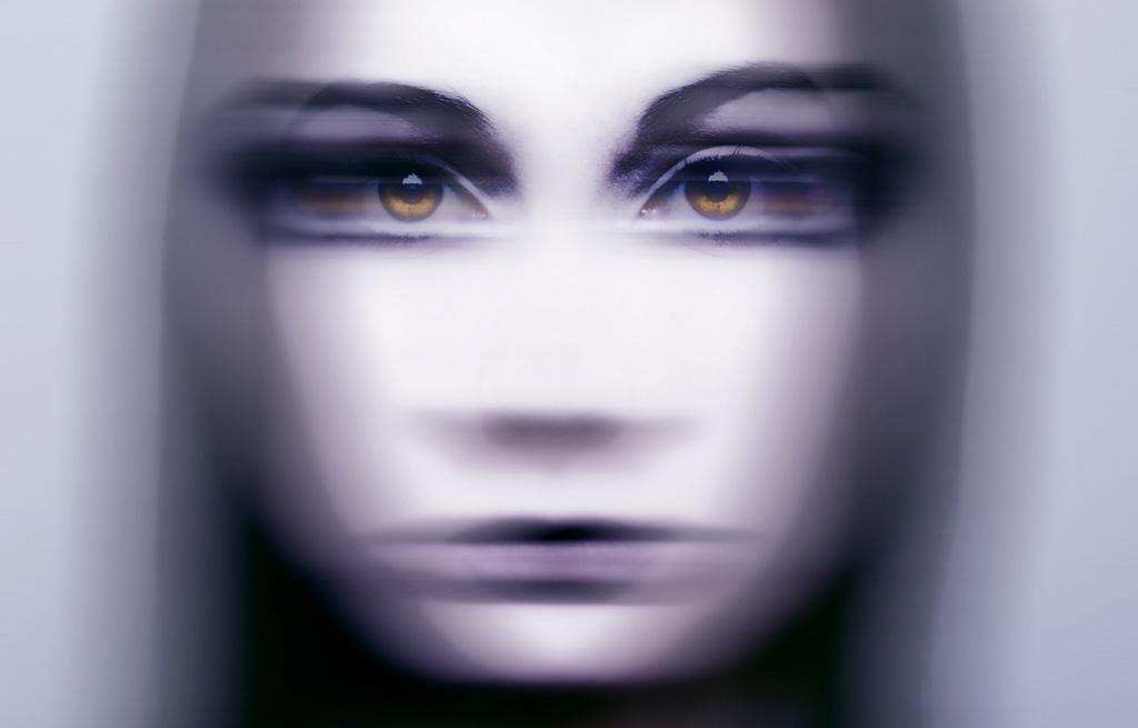 avtoportretixanni 16 Мрачные и необычные автопортреты Твиг Капры из Нью Йорка