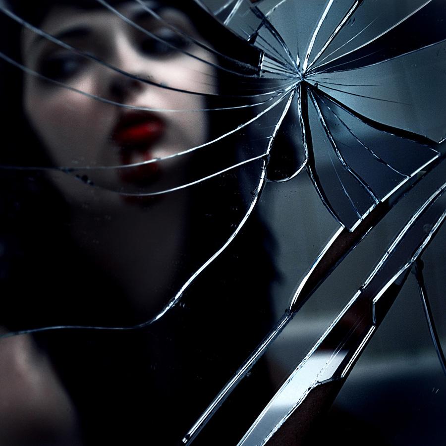avtoportretixanni 20 Мрачные и необычные автопортреты Твиг Капры из Нью Йорка