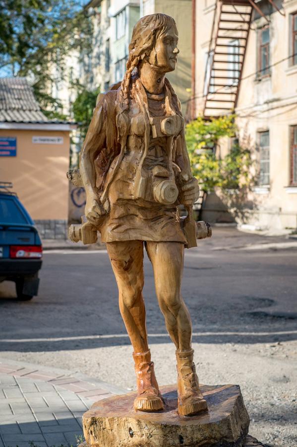 derevyanniestatui 1 Деревянные скульптуры в Симферополе